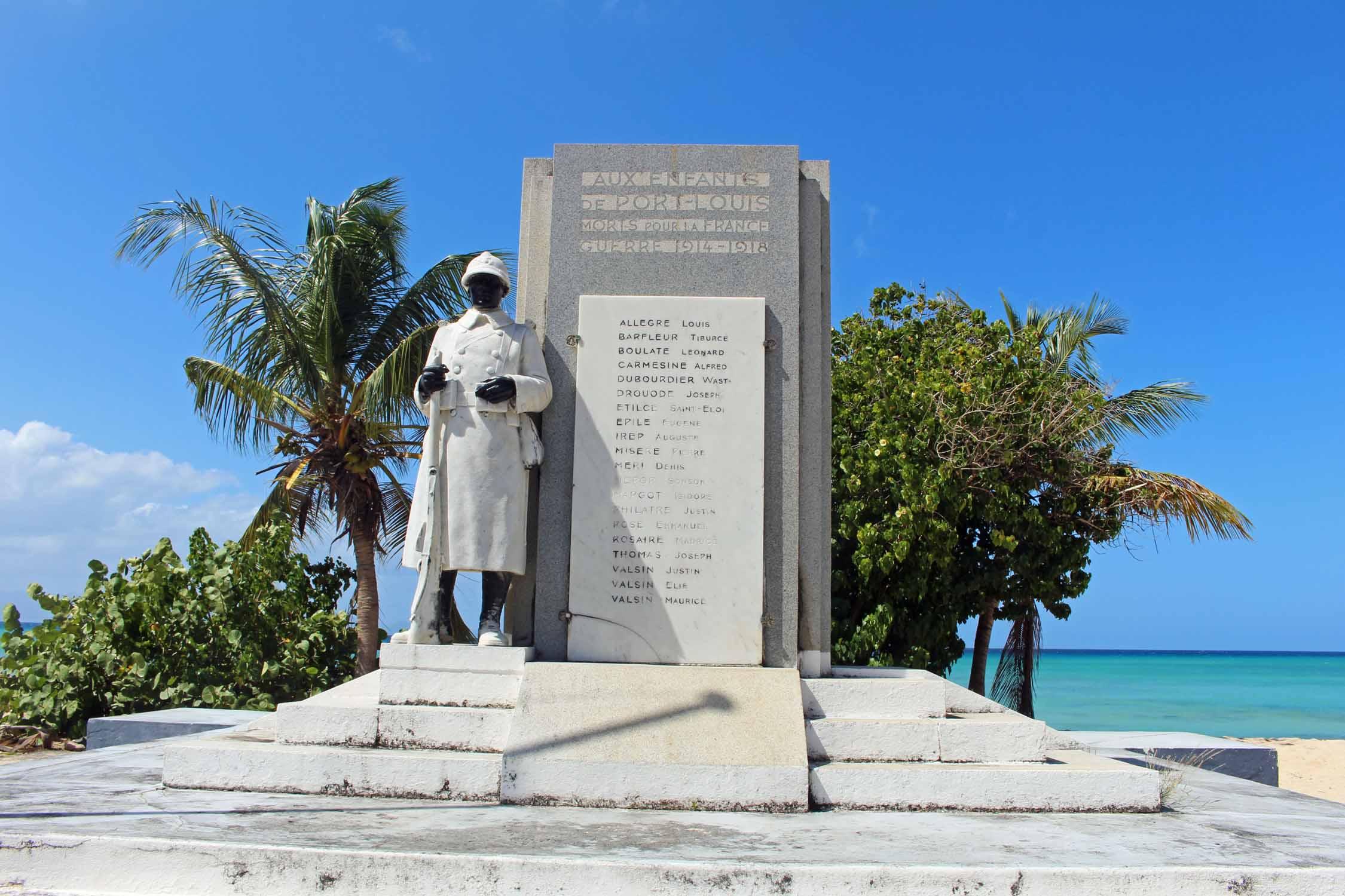 Le monument aux morts de Port-Louis (crédit: http://www.alovelyworld.com)